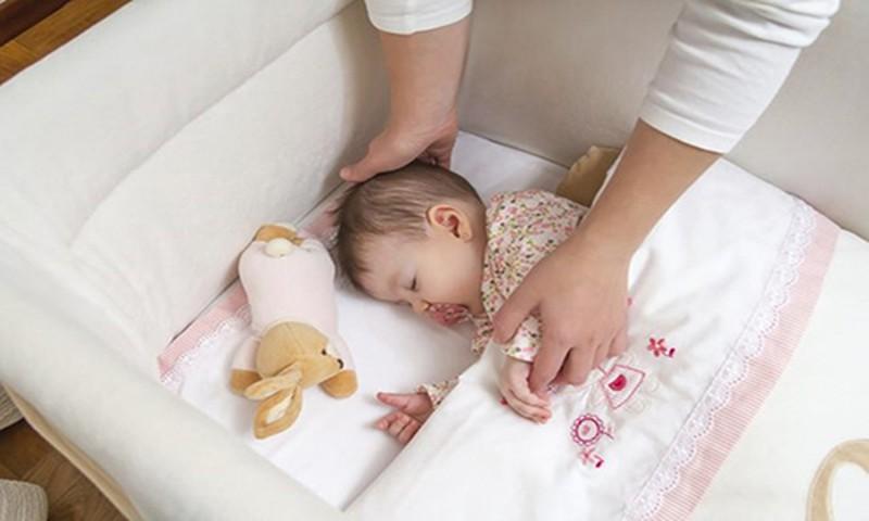 Как приучить малыша спать самостоятельно?