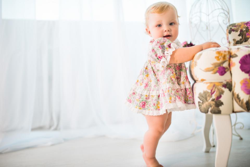 Развитие малыша в 12 месяцев