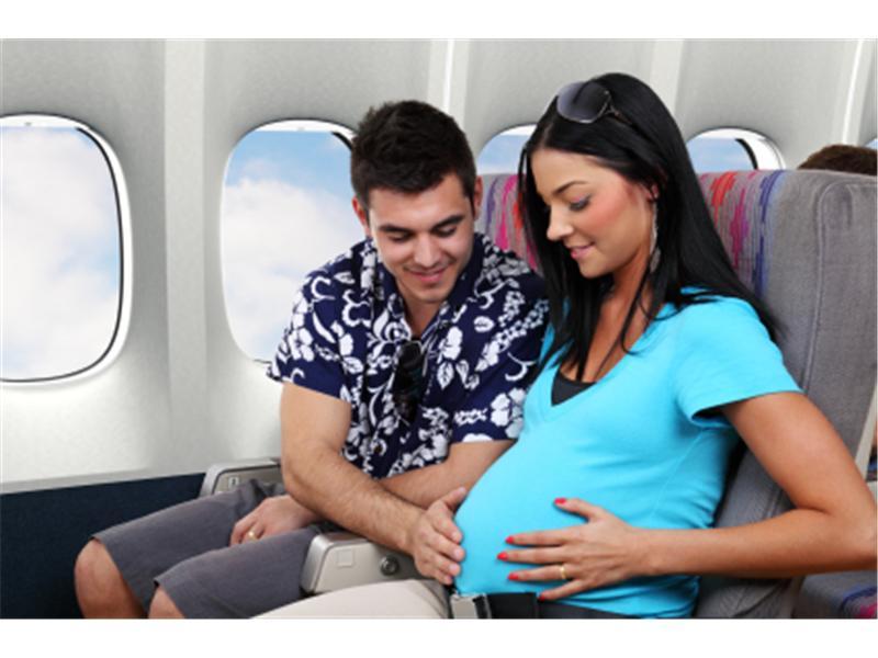 Что нужно учесть при полете во время беременности?